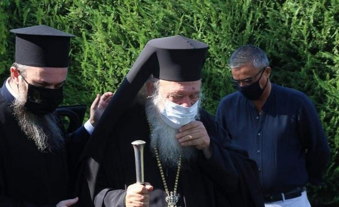 Χωρίς μάσκα κανείς στην Εκκλησία